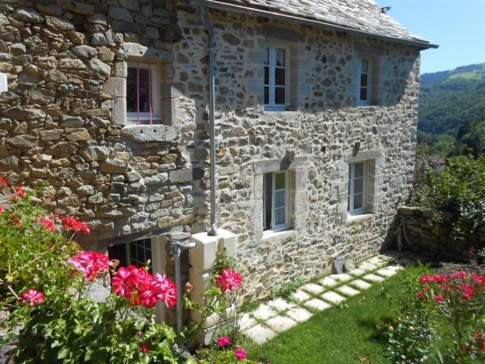 raygues  Ref 25144 DCV Immobilier Decazeville Aveyron 12300